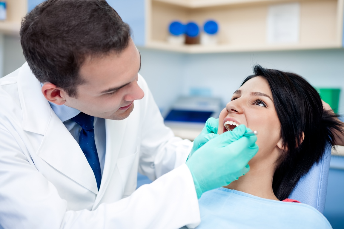 Консультация врача-стоматолога в Киеве. Подбор методов лечения зубов