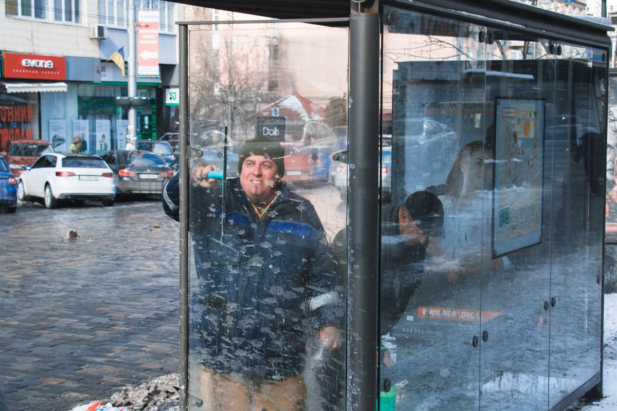 А вот столичным коммунальщикам мороз нипочем