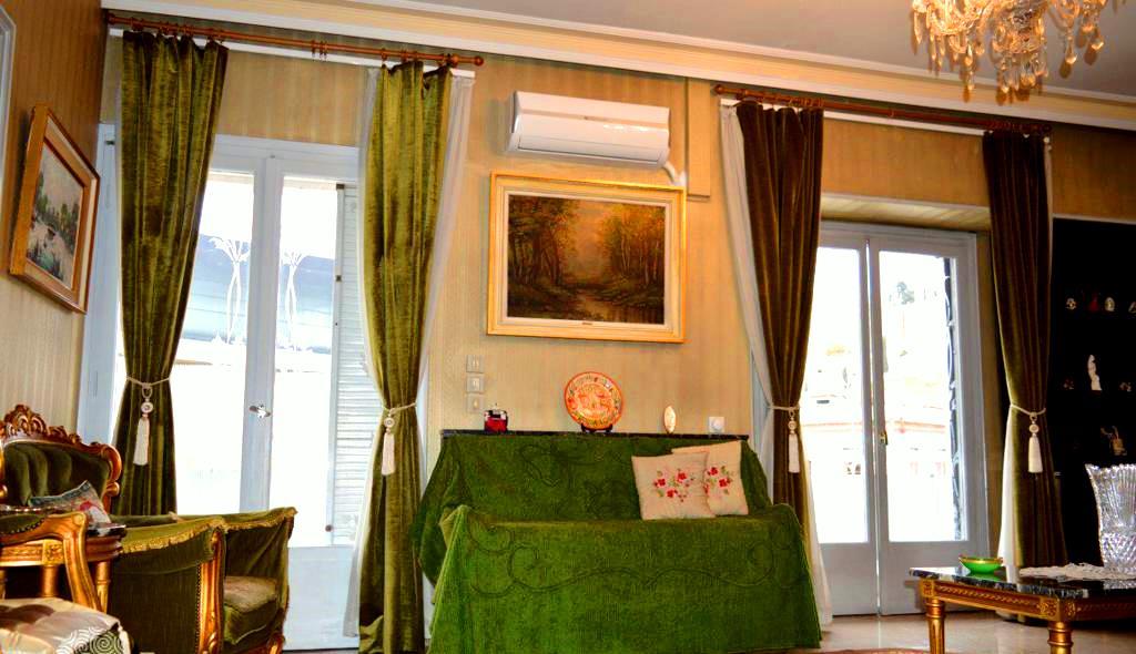 Квартира в центре Афин с видом на Акрополь стоит 130 миллионов гривен