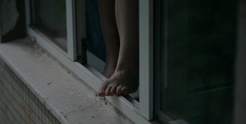 Во Львове 17-летняя девушка разбилась насмерть, выпав из окна 11 этажа