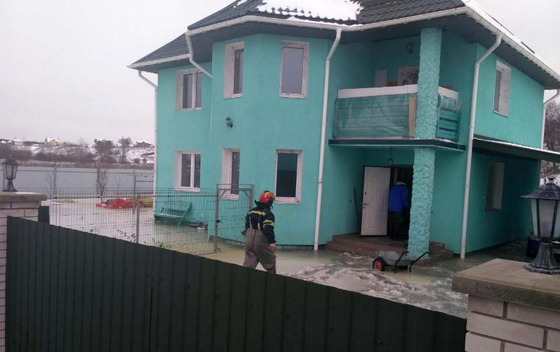 Спасателям пришлось эвакуировать жильцов