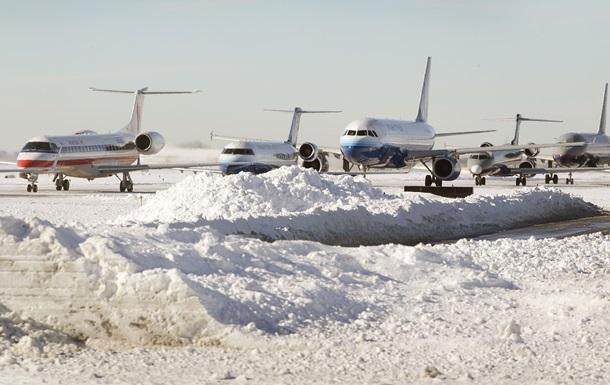 """В аэропорту """"Запорожье"""" самолет занесло во время посадки"""