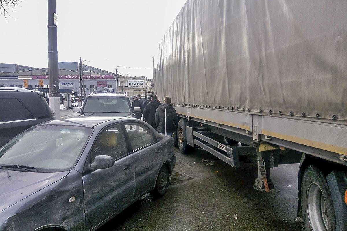 На улице Павла Усенко произошло ДТП