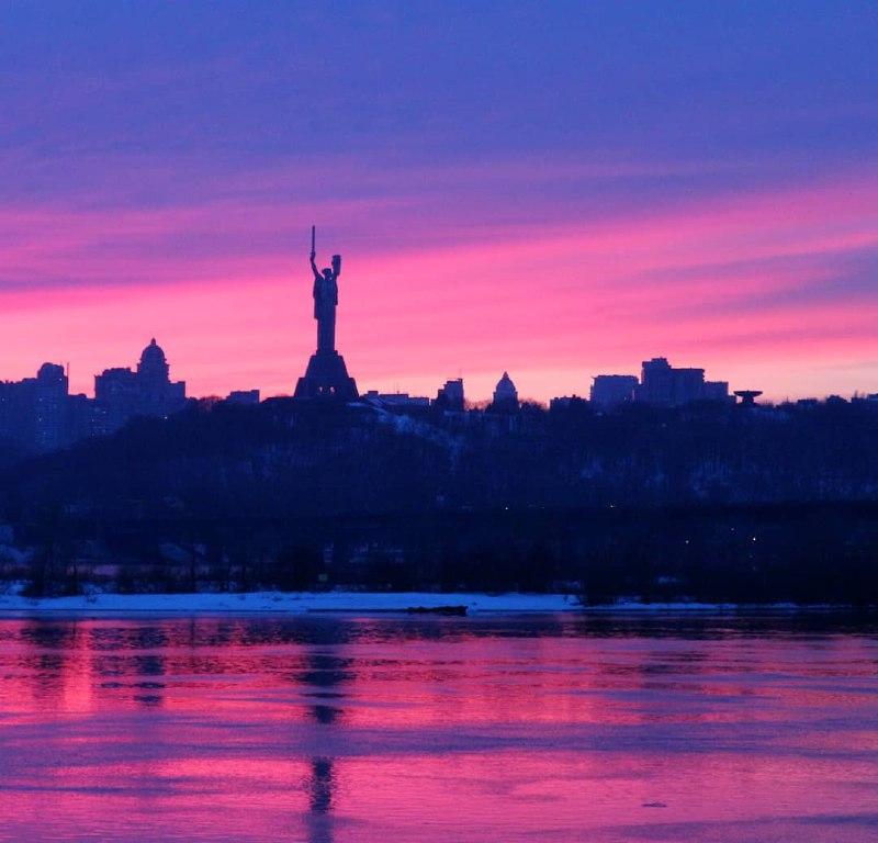 Шикарный закат 23 марта. Фото Anastasia