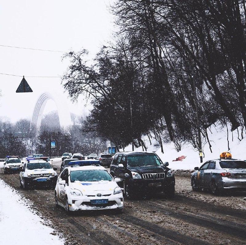 Киев - город полицейских. Фото Sergey Bogun