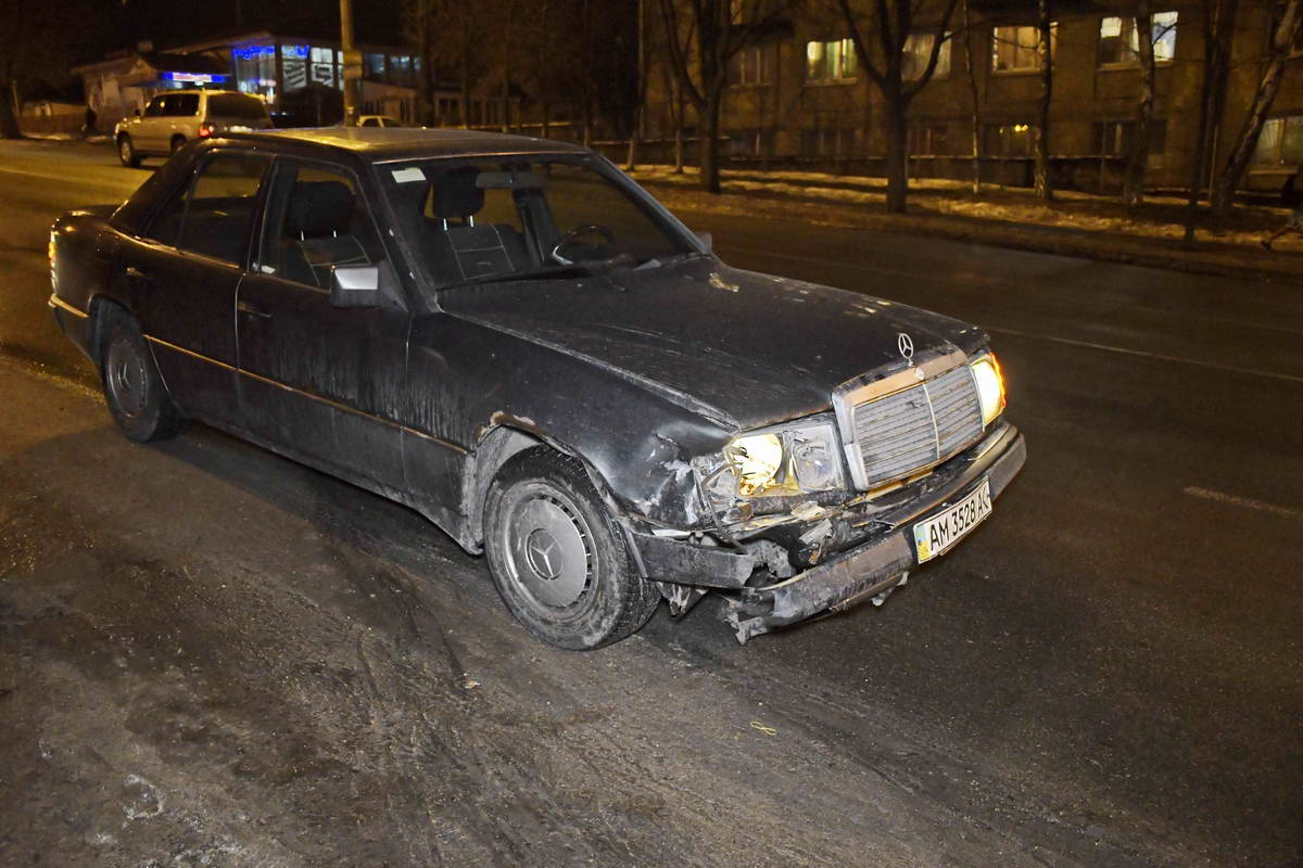 Mercedesс места ДТП уехал своим ходом