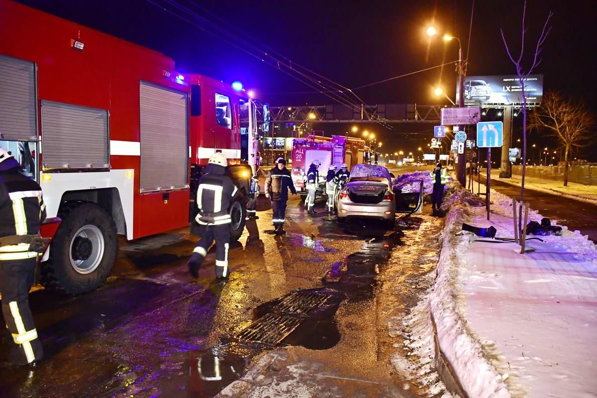 На место приехали 2 единицы пожарной техники