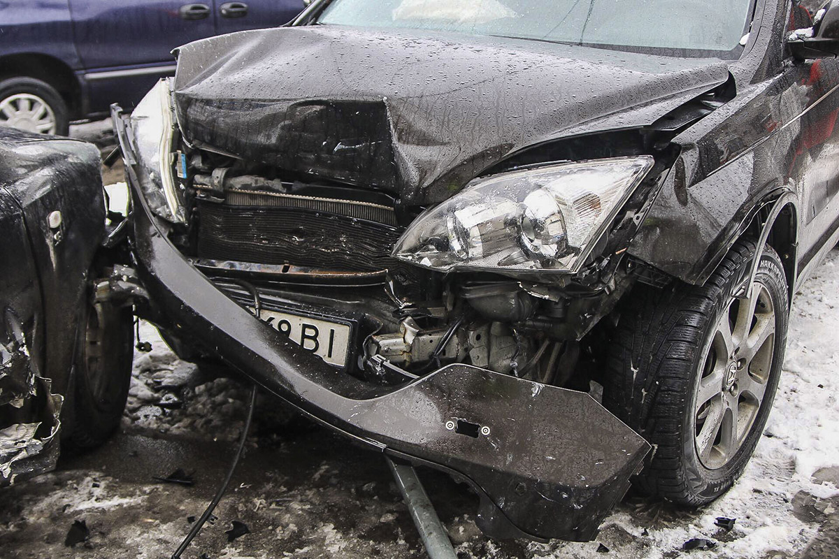 У Honda повреждена передняя часть