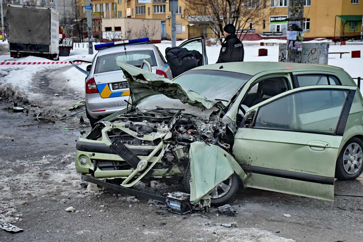 Перед Hyundai Getz превратился в груду металлолома