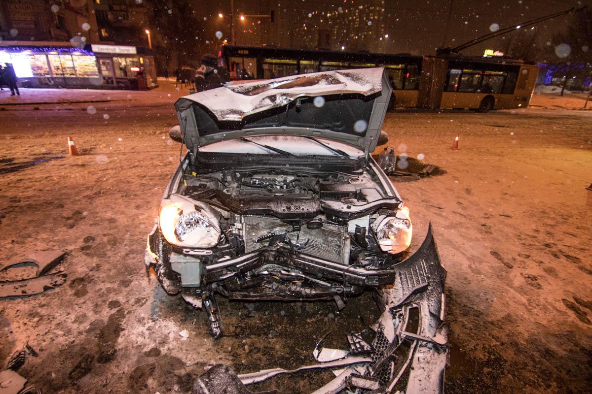 Hyundai Accent пострадал больше за своего оппонента