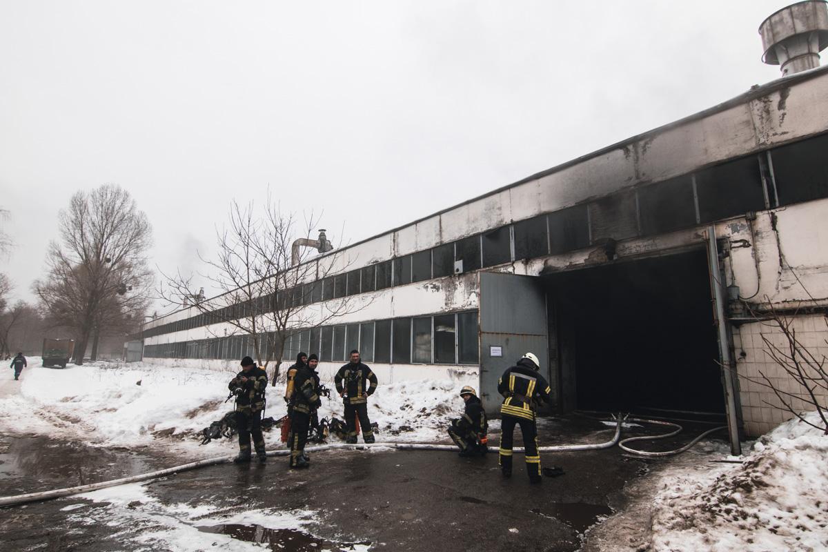 На улице Стеценко случился пожар в одном из помещений автотранспортного предприятия