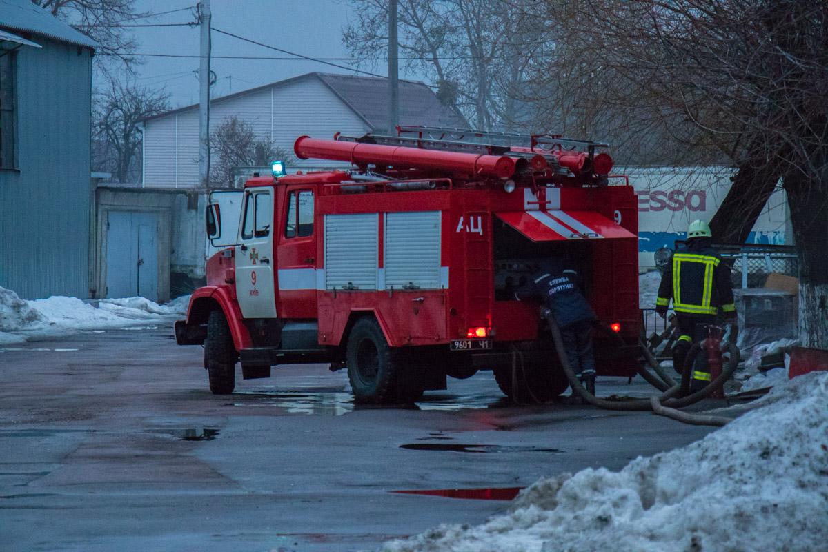 На месте работали 8 единиц спецтехники и 70 спасателей