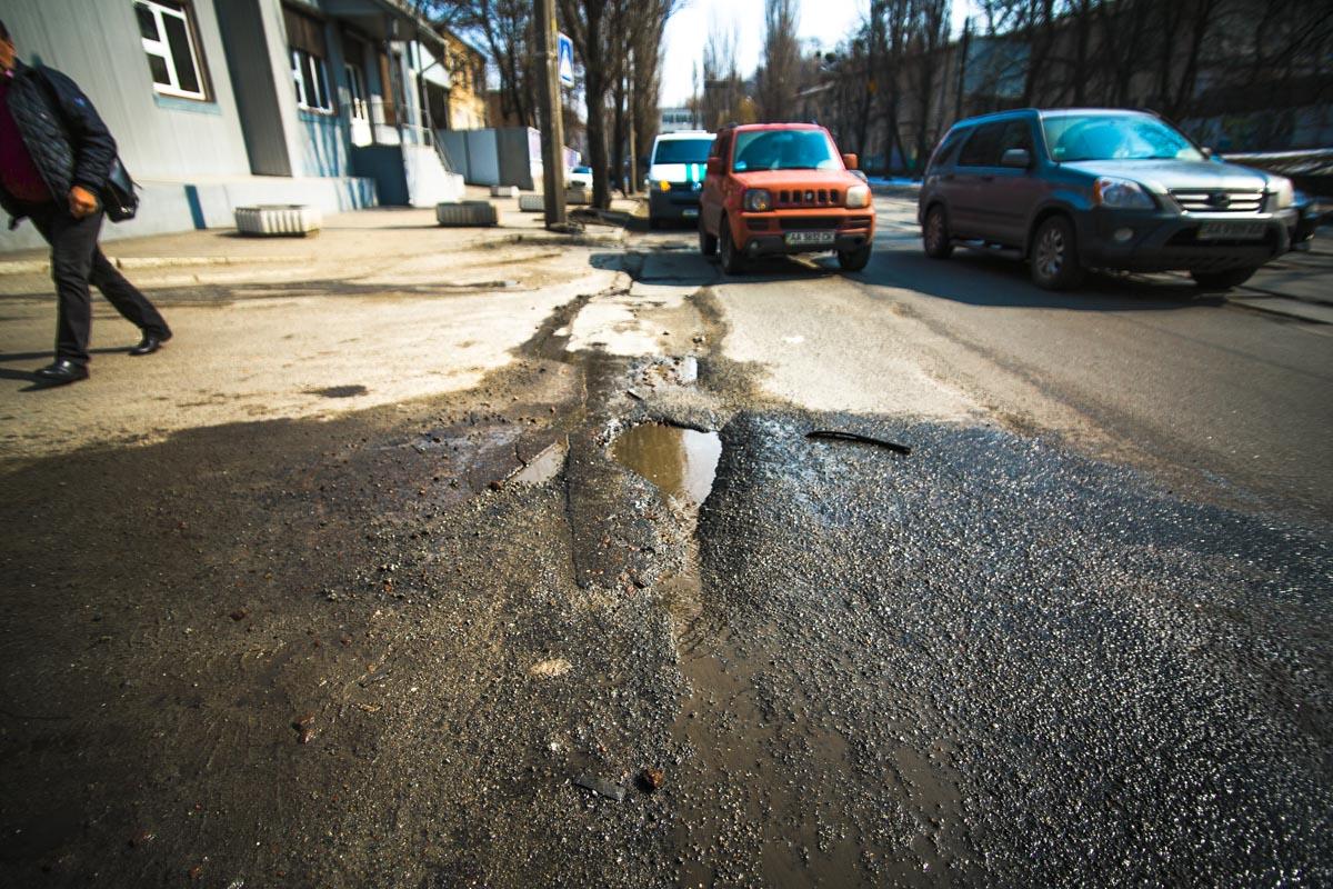 Дорожное покрытие по улице Глубочицкой ремонтировали в 2017 году