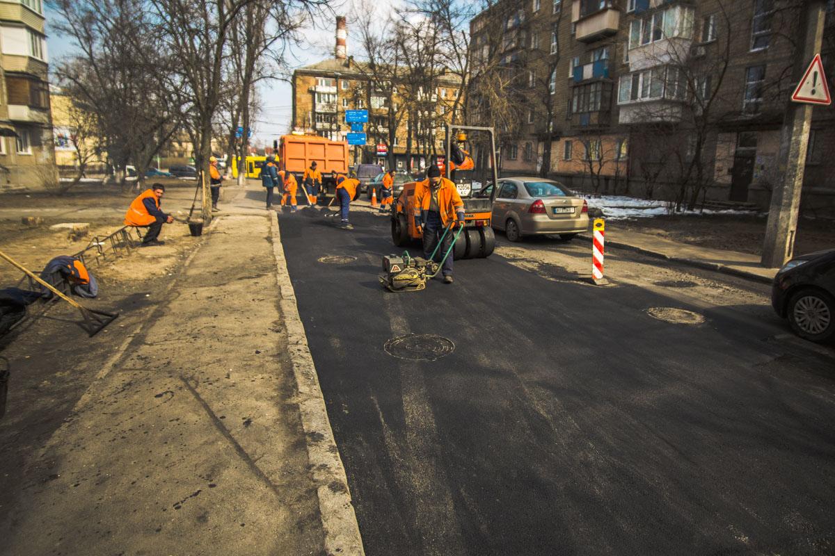 Улицу Грекова снова ремонтируют