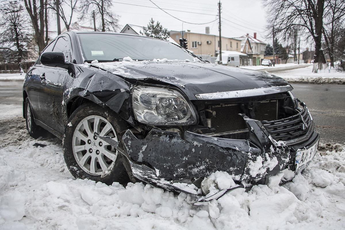 Повреждения Mitsubishi