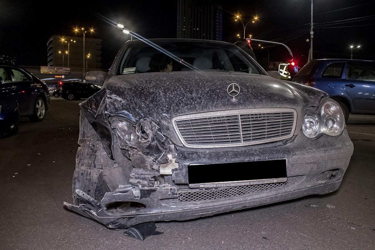 Бамперы машин сильно пострадали