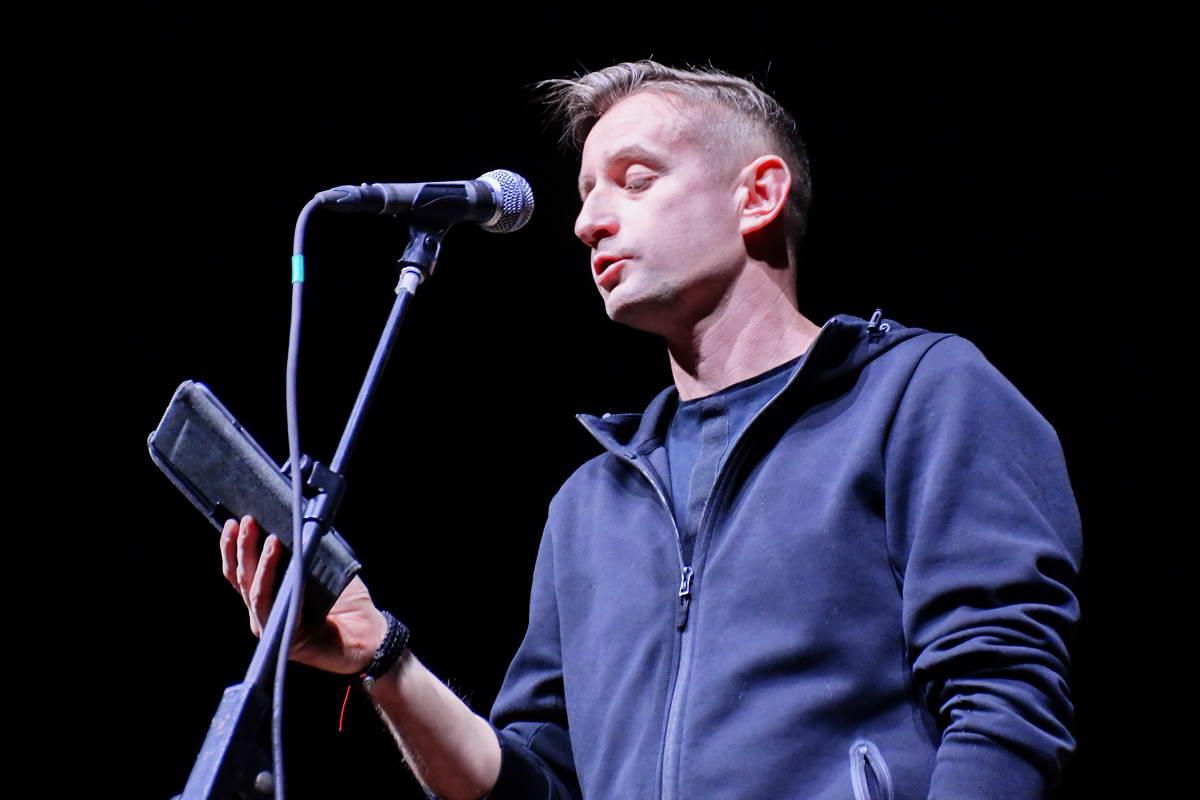 Сергей Жадан декламирует свои стихи