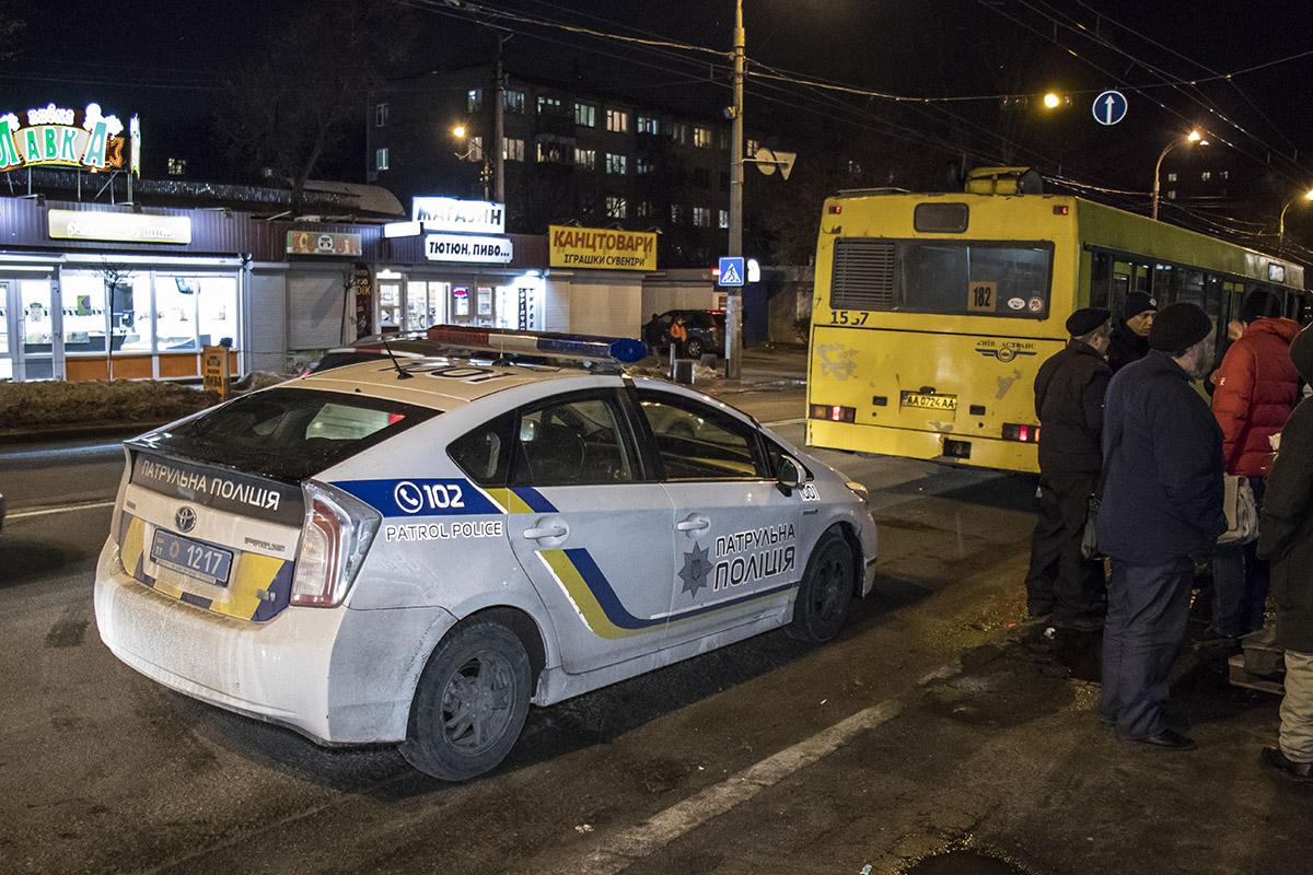 Пассажиры не давали уехать скорой, пока не приедет полиция