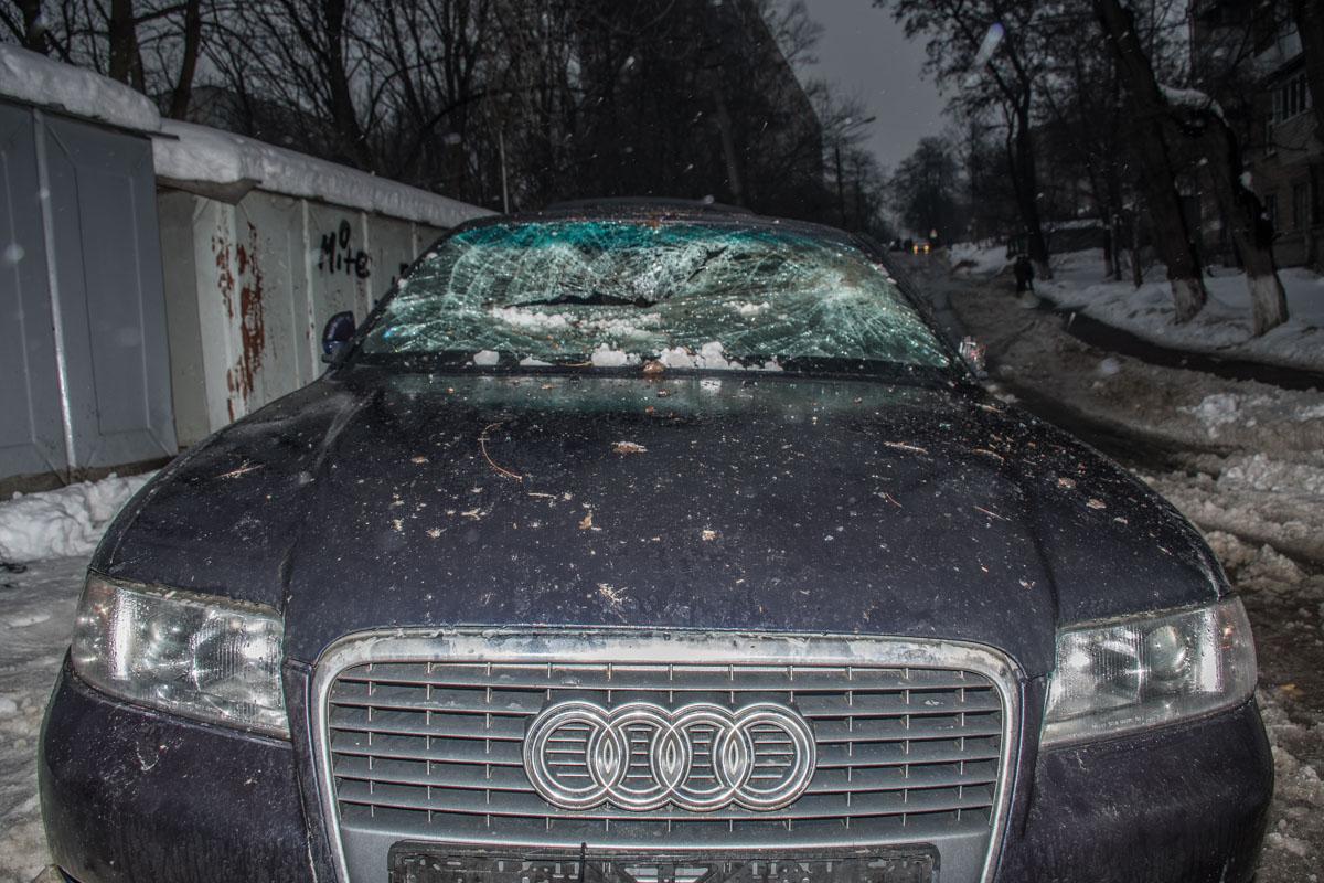 Люди утверждают, что авто принадлежало одному из сотрудников охранной фирмы