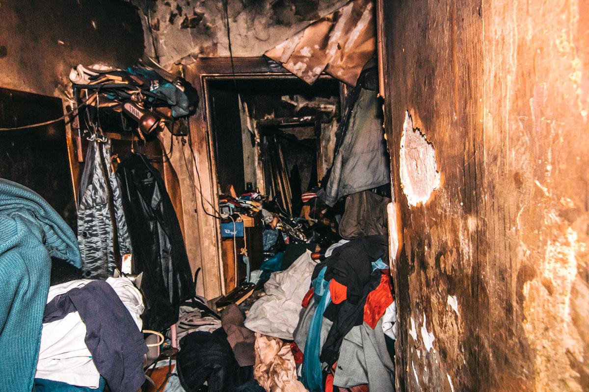 Квартира была полностью завалена мусором