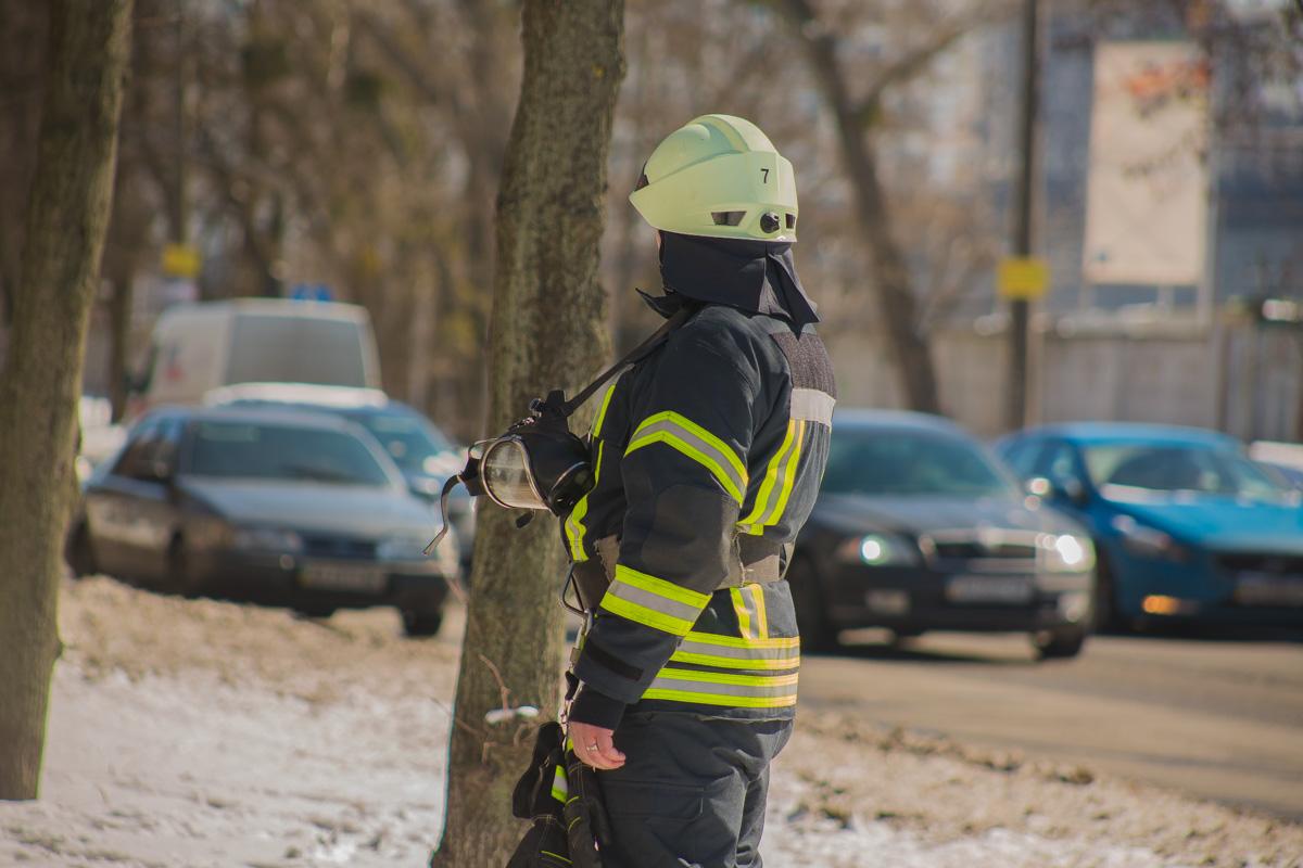 Жильцы дома винят в пожаре неисправную проводку