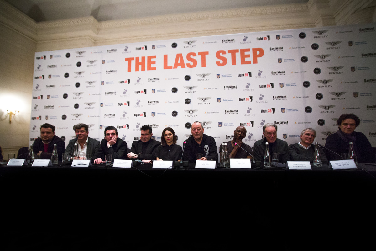 Команда актеров, продюсеры и съемочная группа, которые работали над созданием фильма
