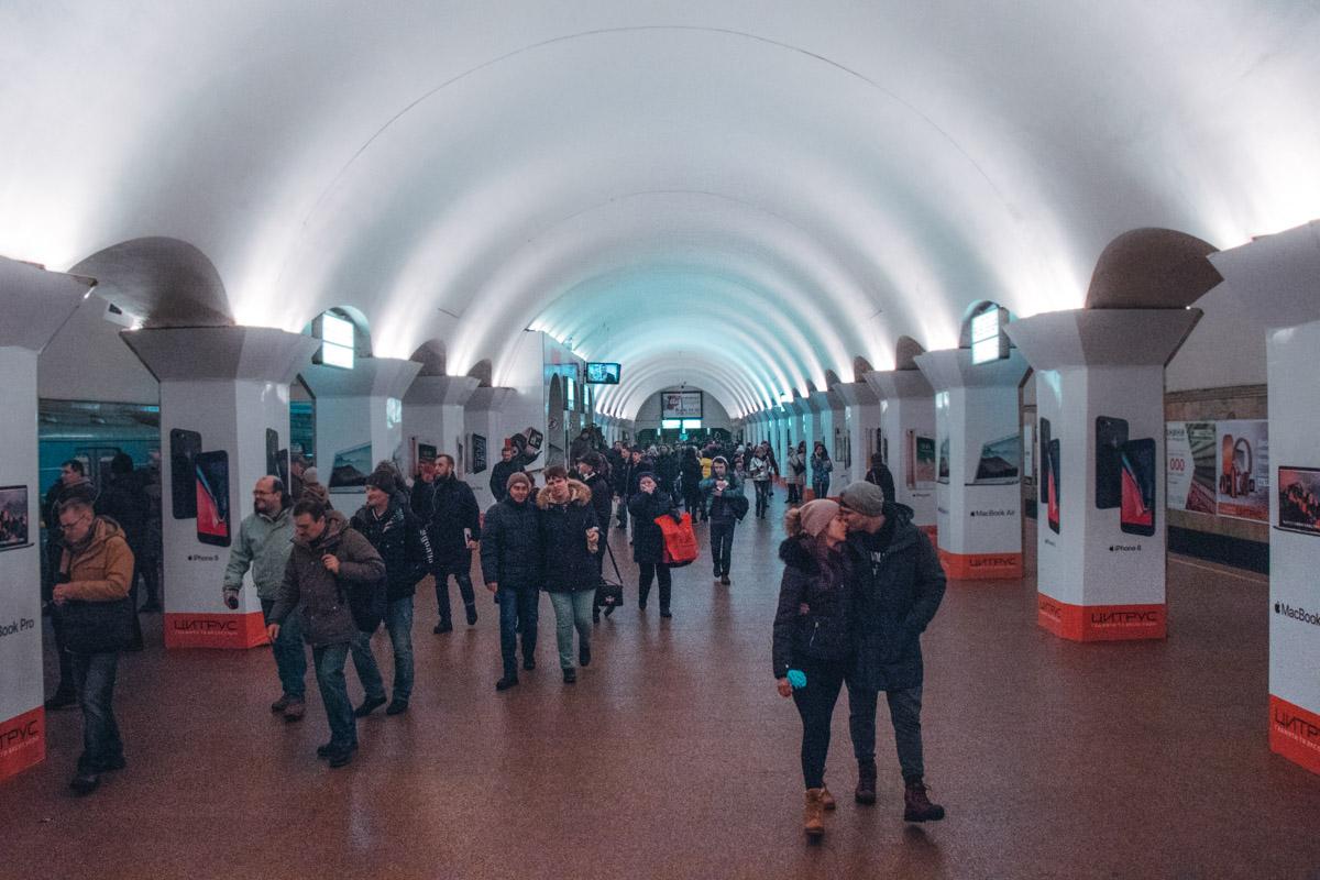 Стоимость проезда в метро сегодня составила 1 стихотворение