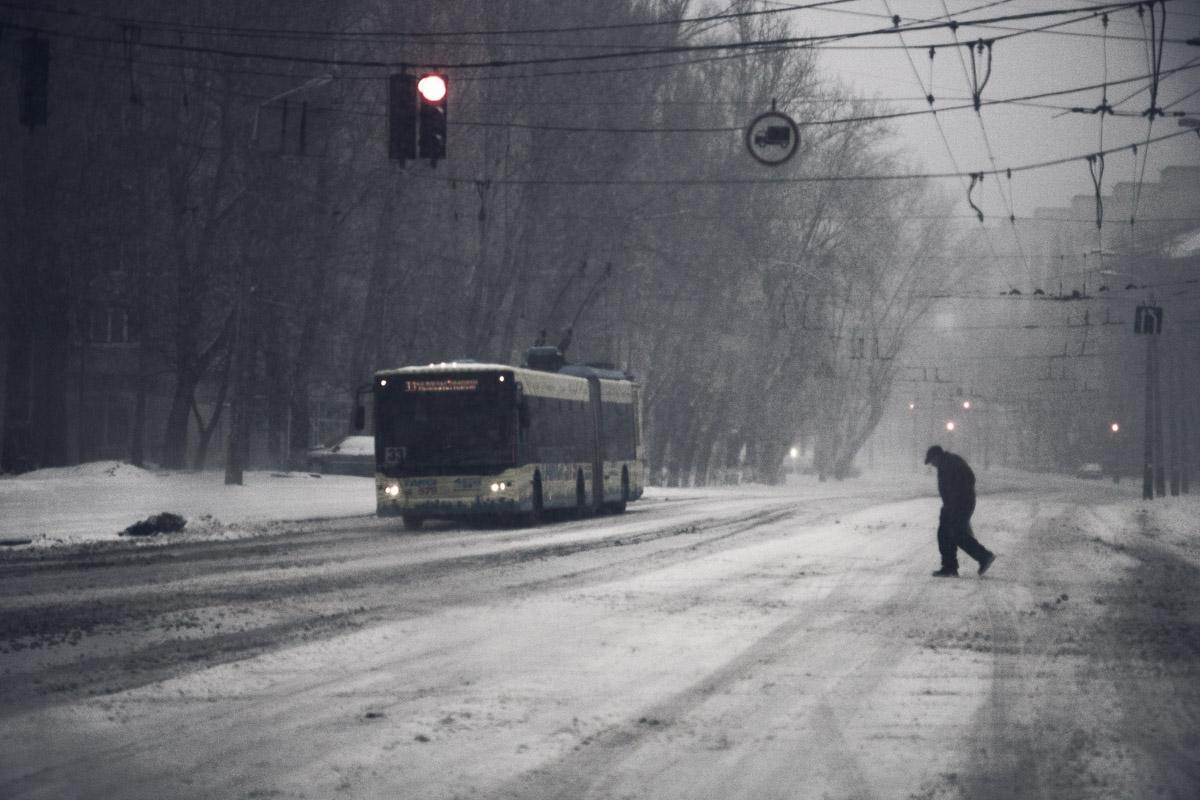 В такую невесеннюю погоду на улицу выбираться совсем не хочется
