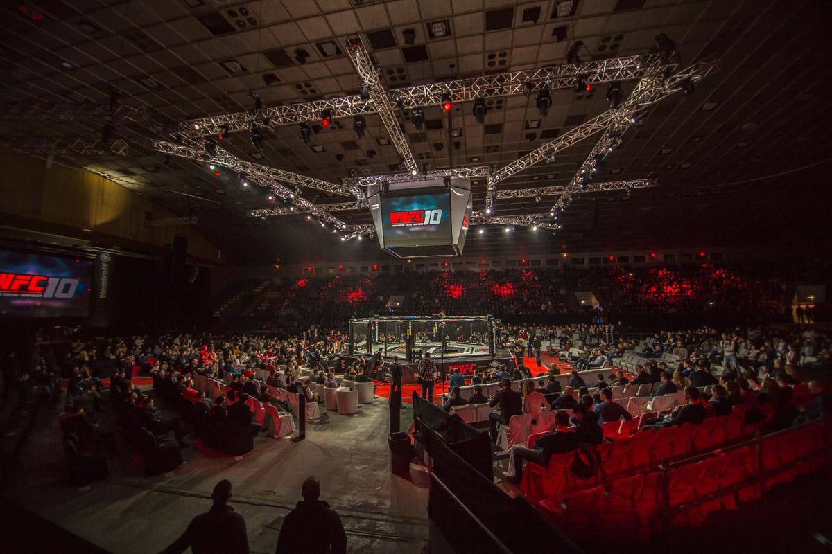 Во Дворце спорта Киева прошел международный профессиональный турнир по смешанным единоборствам WWFC 10