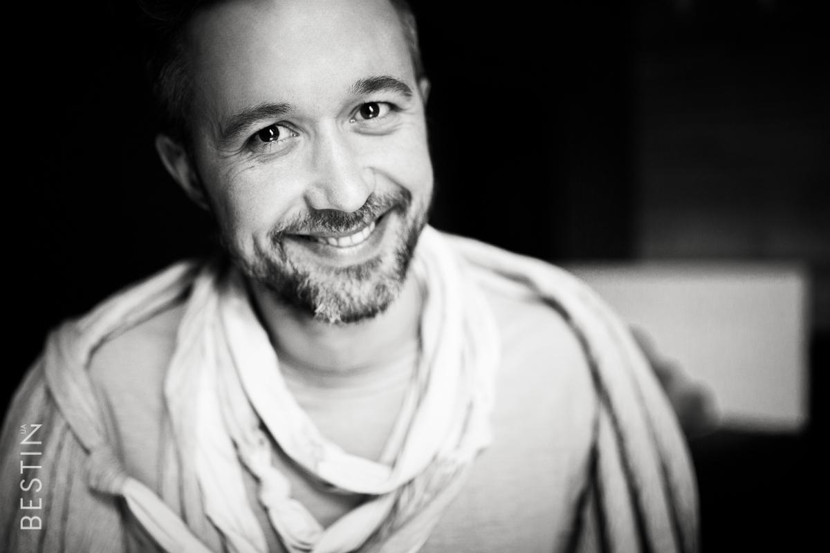 Сергей Бабкин - украинский музыкант, актёр, автор и исполнитель собственных песен