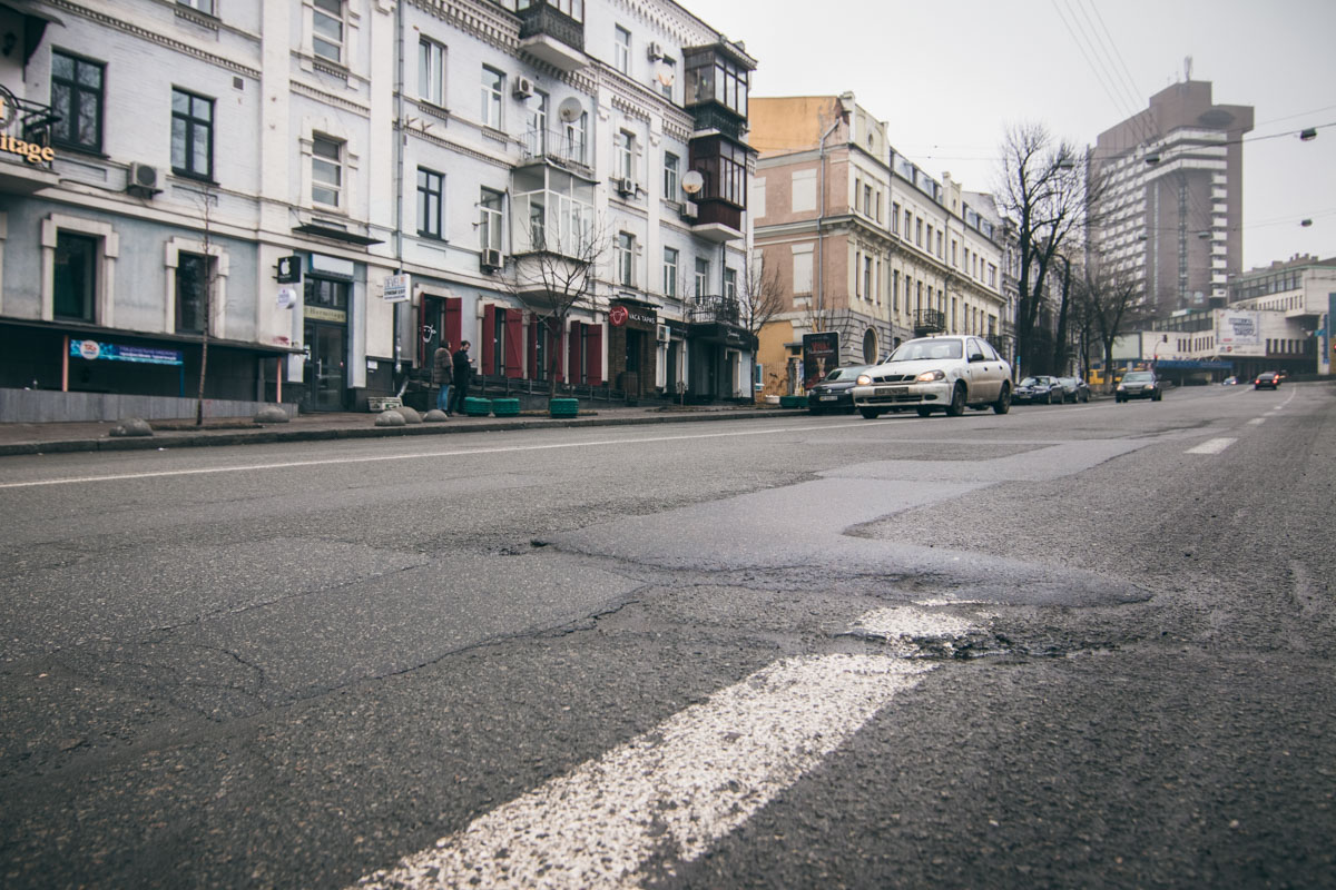 Улицу Симона Петлюры уже не раз латали