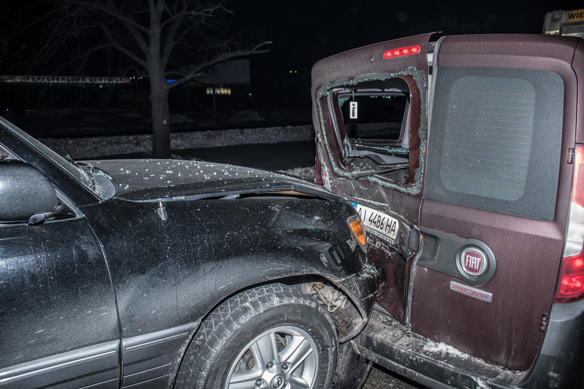 По словам водителей столкновение произошло из-за интенсивного трафика