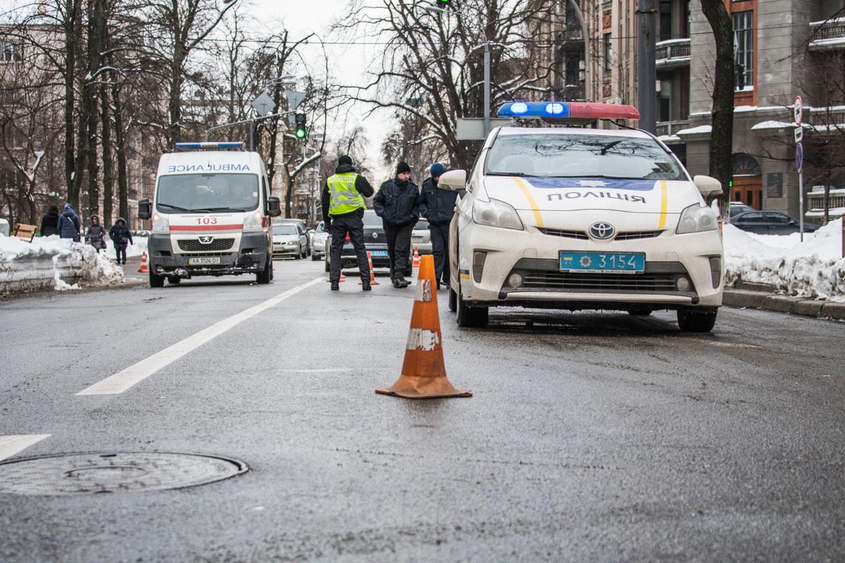 6 марта в центре Киеваправительственныйкортеж сбил пожилого мужчину
