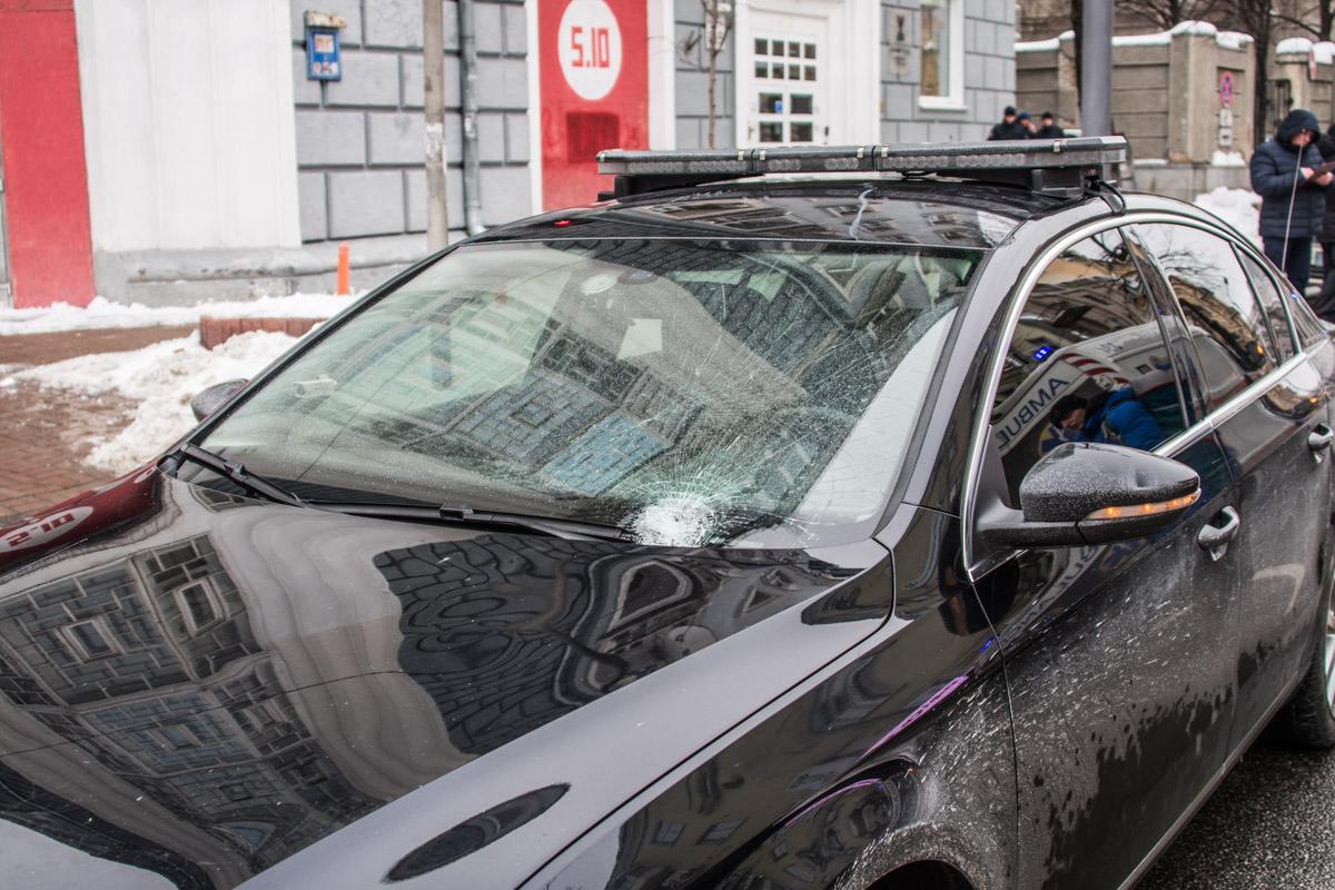 Автомобиль СБУ, совершивший ДТП, остался на месте происшествия