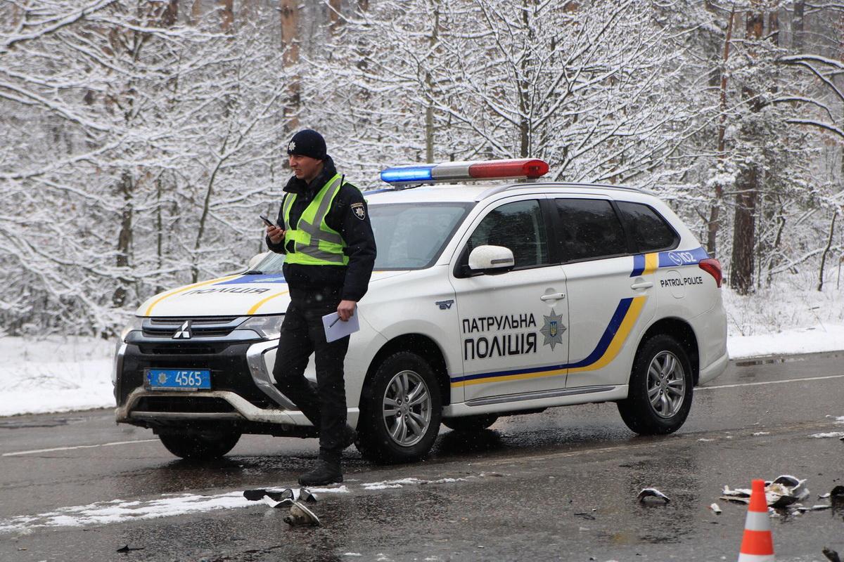 Полиция работает на месте аварии