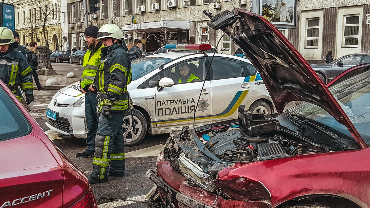 В центре Киева образовалась огромная пробка