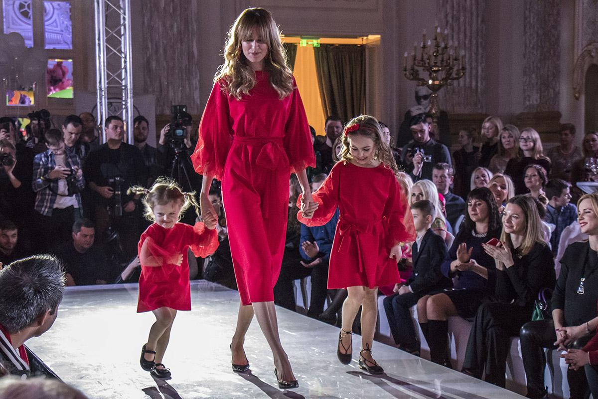 Наряда для стильных мамочек и их модных дочерей