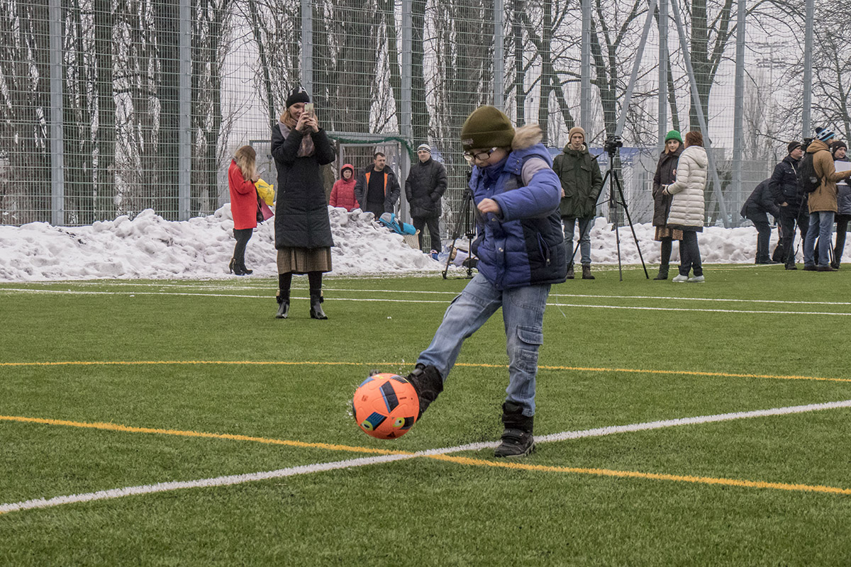 Мальчики показали, как умеют играть в футбол