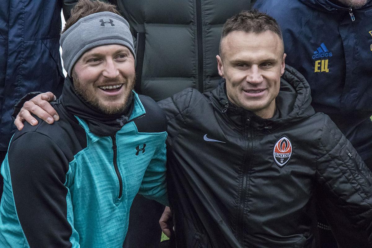 Футболисты много шутили и были рады видеть друг друга