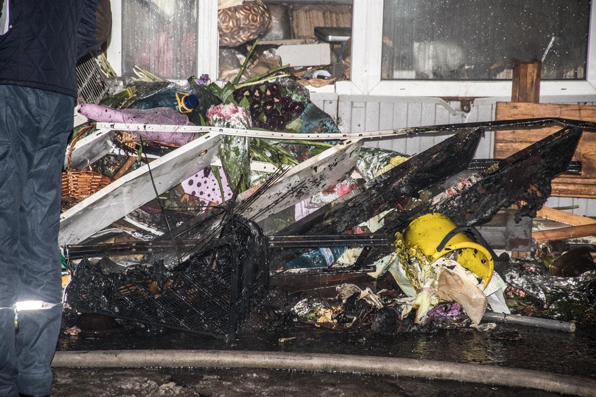 В результате пожара пострадали только цветы