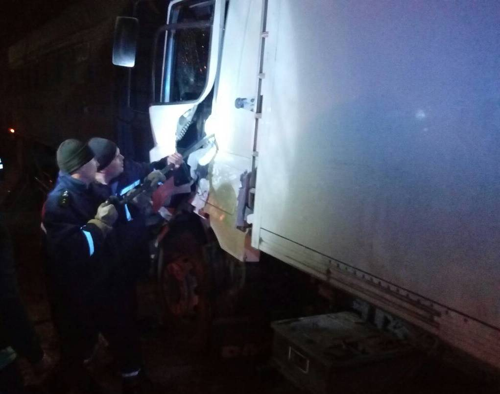 В Херсонсокй области в результате ДТП водителя грузовика вырезали