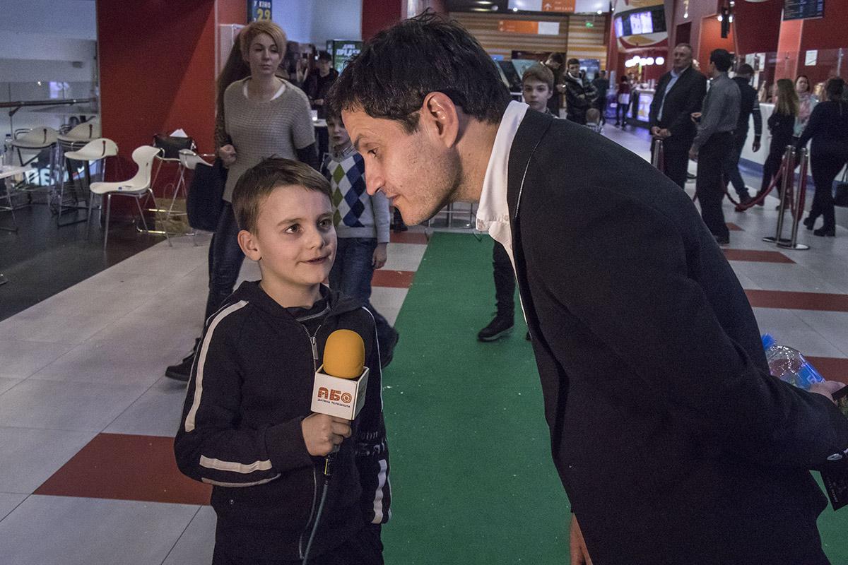 Самый маленький представитель СМИ не стеснялся задавать каверзные вопросы