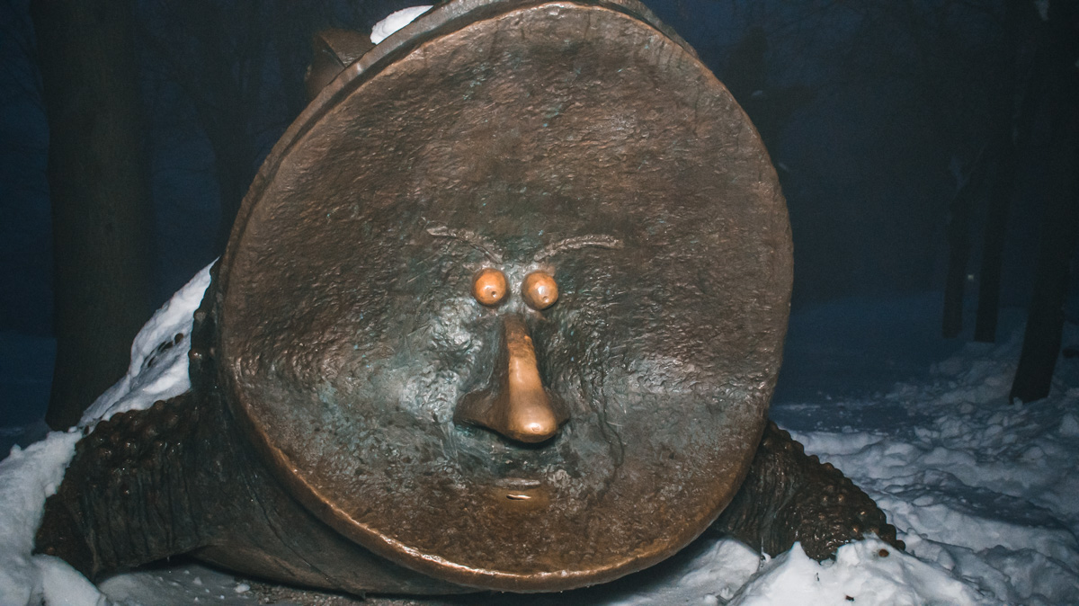 Ради богатства стоит потереть лягушке нос и кинуть пару монеток ей в прорезь