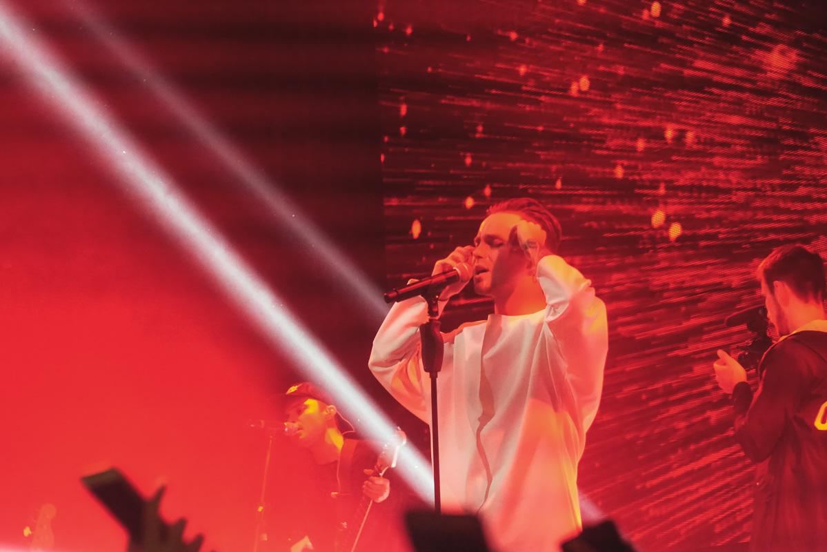 Артем Пивоваров отыграл свой первый сольный концерт