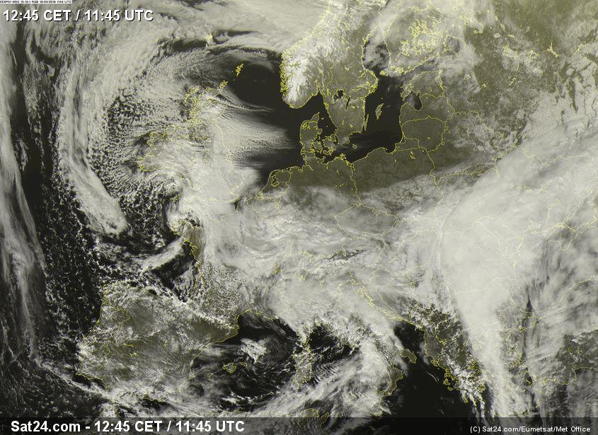 К Украине движется новый циклон, который принесет ветер и снег