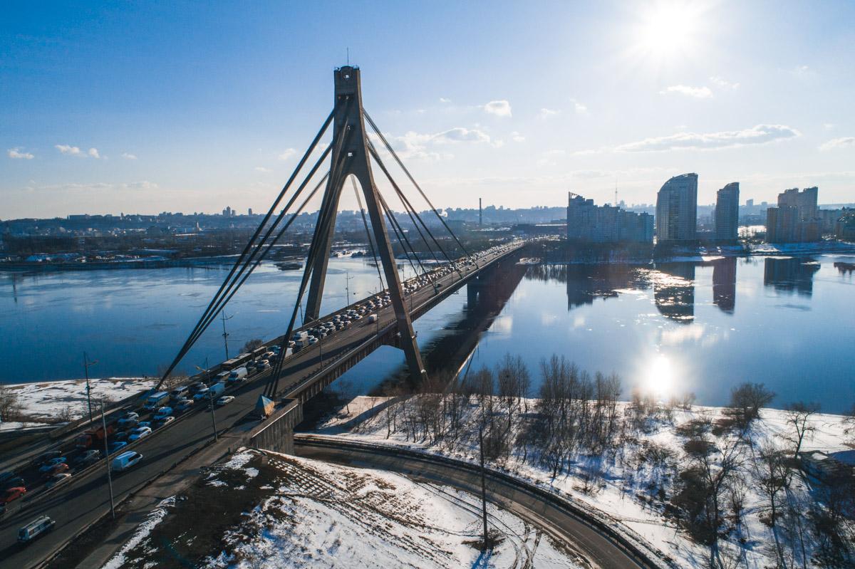 Пробка на Северном мосту с высоты птичьего полета