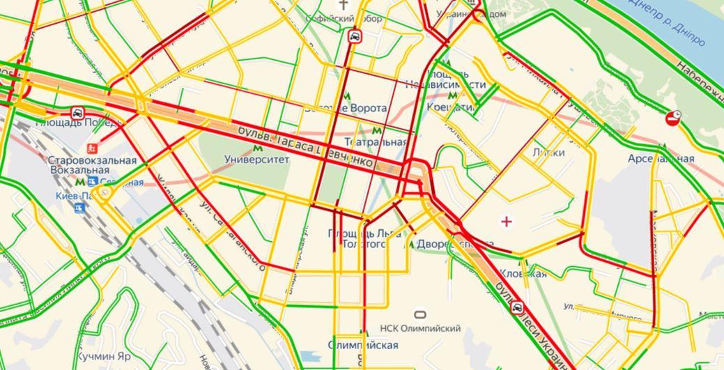 Пробки сковали центр столицы