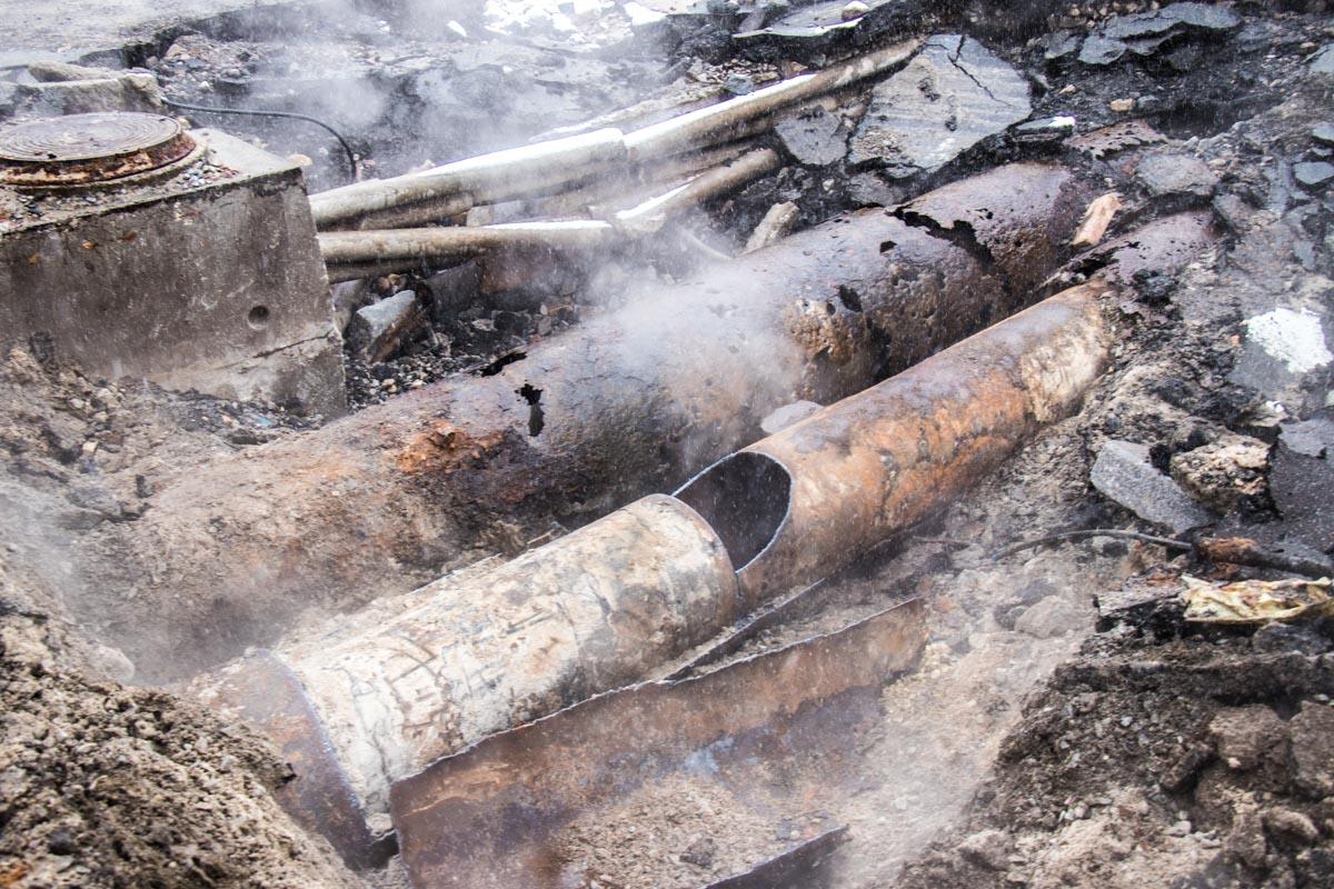 Прорыв случился по причине износа трубы