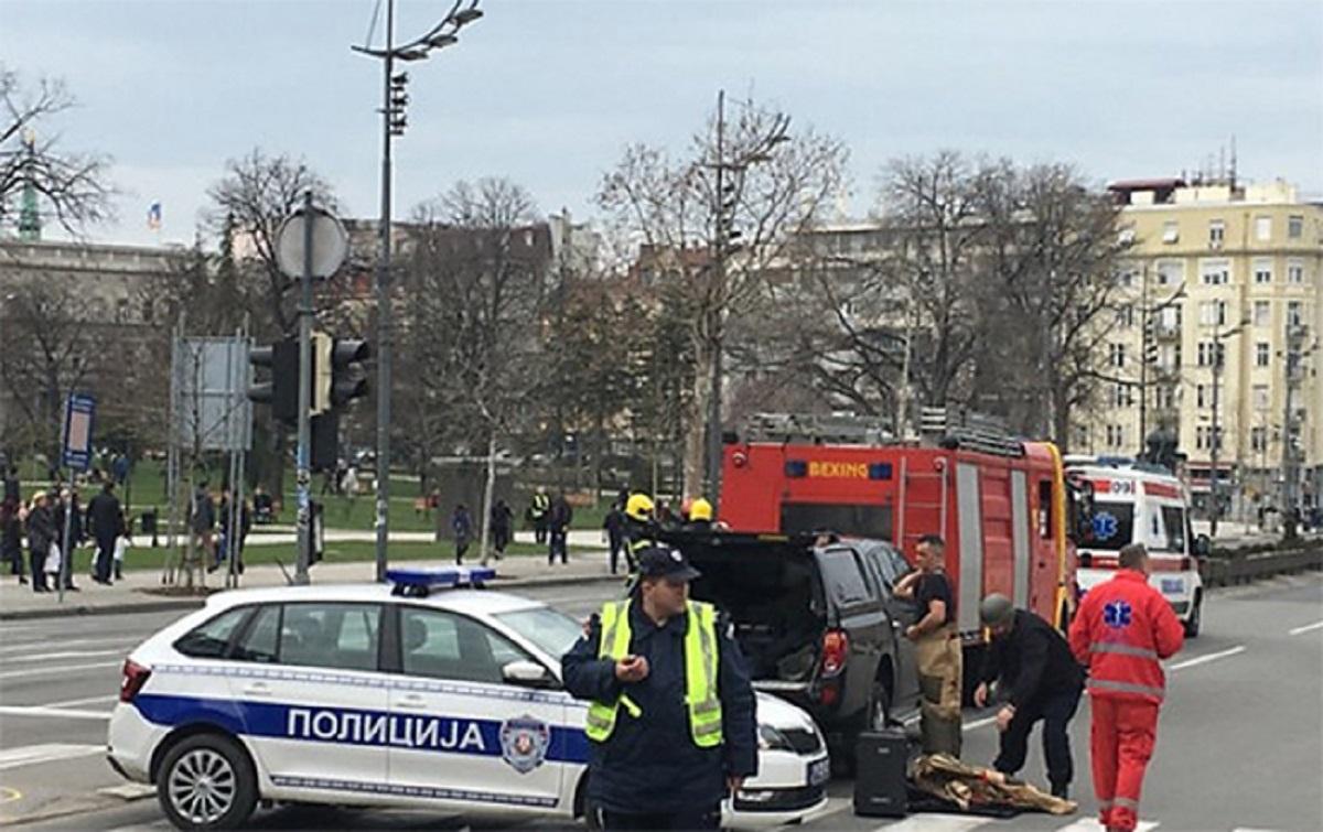 В Сербии 63-летний мужчина угрожал покончить с собой возле Парламента