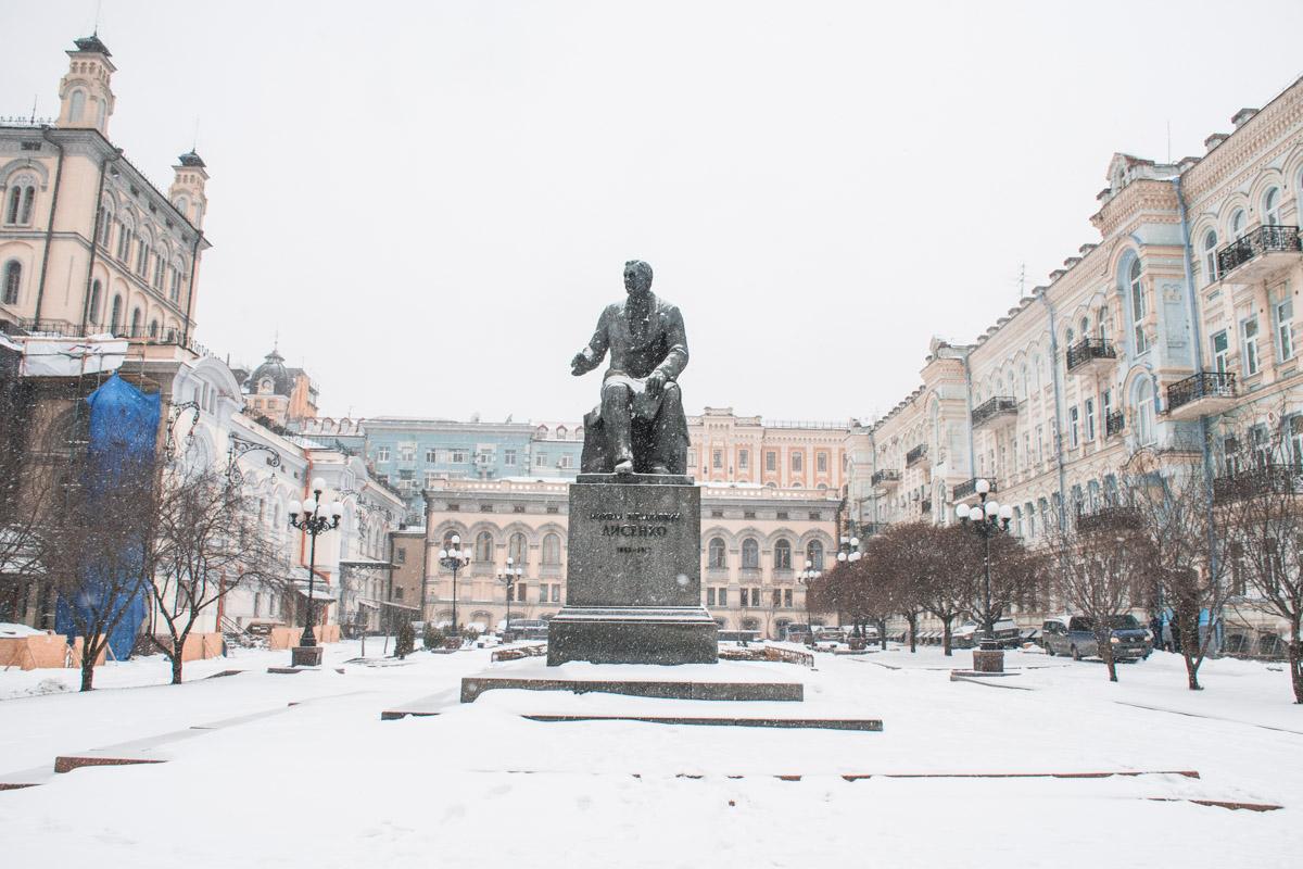 Заснеженный Киев выглядит особенно романтично